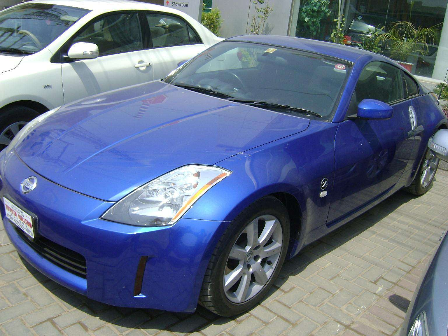 used 2003 nissan 350z for sale pakistan free classifieds muamat. Black Bedroom Furniture Sets. Home Design Ideas