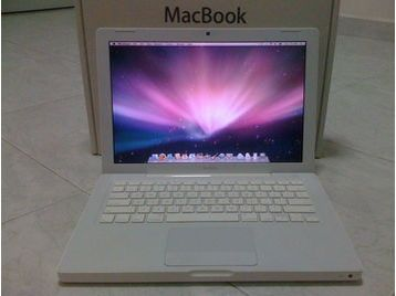 macbook 4 1 perfect condition manchester uk free classifieds muamat. Black Bedroom Furniture Sets. Home Design Ideas