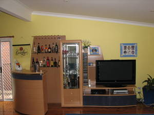 Attirant ENTERTAINMENT/WALL UNIT U2013 BAR, DISPLAY CABINET, LOWLINE TV UNIT    Melbourne, Australia   Free Classifieds   Muamat