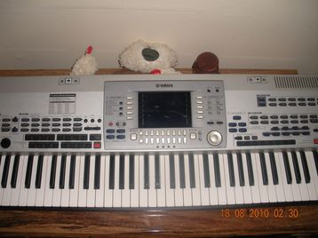 yamaha psr 9000 pro in good condition london uk free. Black Bedroom Furniture Sets. Home Design Ideas