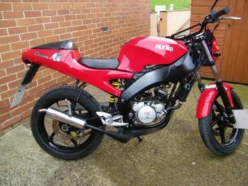 2002 aprilia rs 50cc streetfighter rare and unique birmingham uk free classifieds muamat. Black Bedroom Furniture Sets. Home Design Ideas