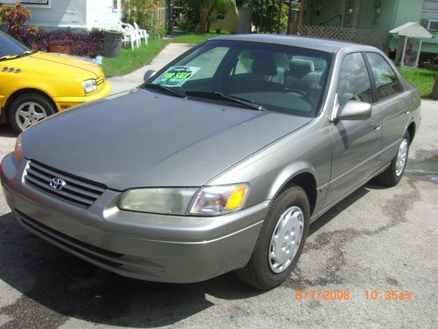 toyota camry america 1997 for sale dubai uae free. Black Bedroom Furniture Sets. Home Design Ideas