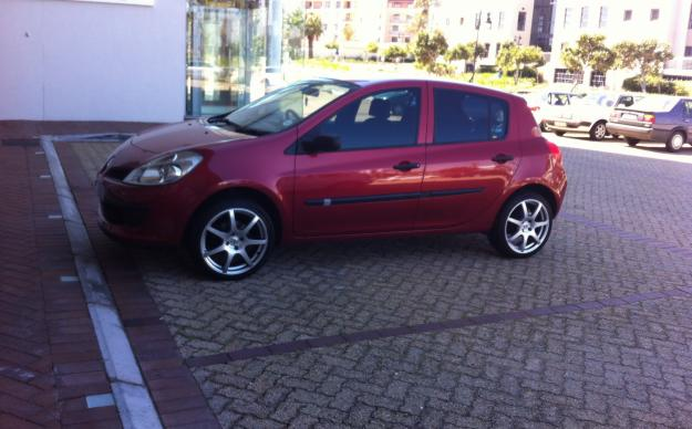 renault clio iii 1 4 5dr 2007 for sale cape town south africa free classifieds muamat. Black Bedroom Furniture Sets. Home Design Ideas
