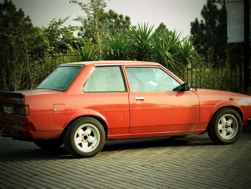 toyota corolla 1981 red color for sale islamabad pakistan free classifieds muamat. Black Bedroom Furniture Sets. Home Design Ideas