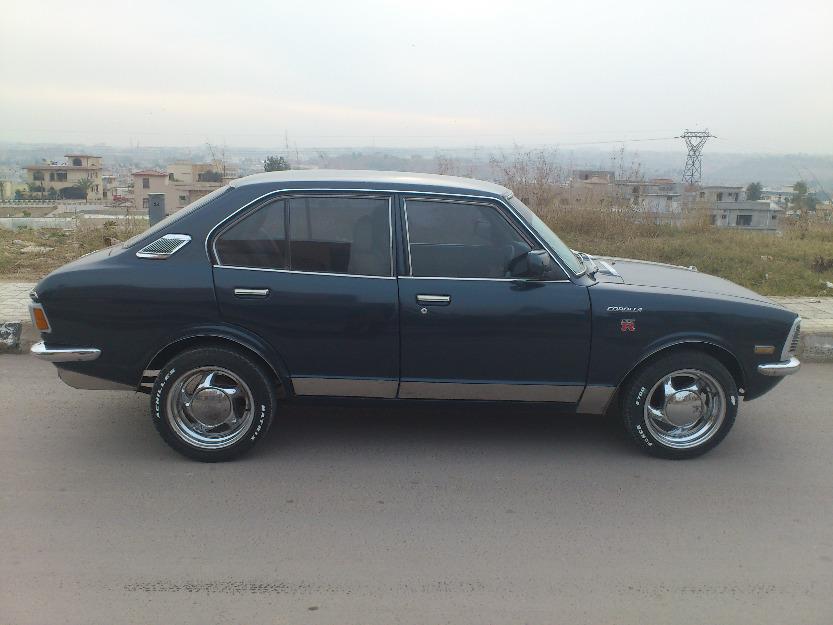 toyota corolla 1974 green color for sale islamabad pakistan free classifieds muamat. Black Bedroom Furniture Sets. Home Design Ideas