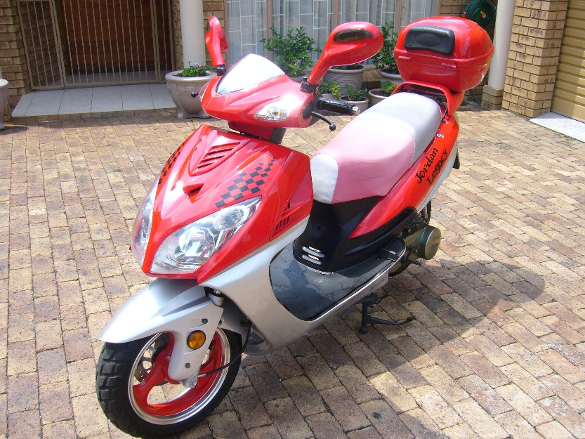 low mileage immaculate jordan 150cc scooter for sale pretoria south africa free classifieds. Black Bedroom Furniture Sets. Home Design Ideas