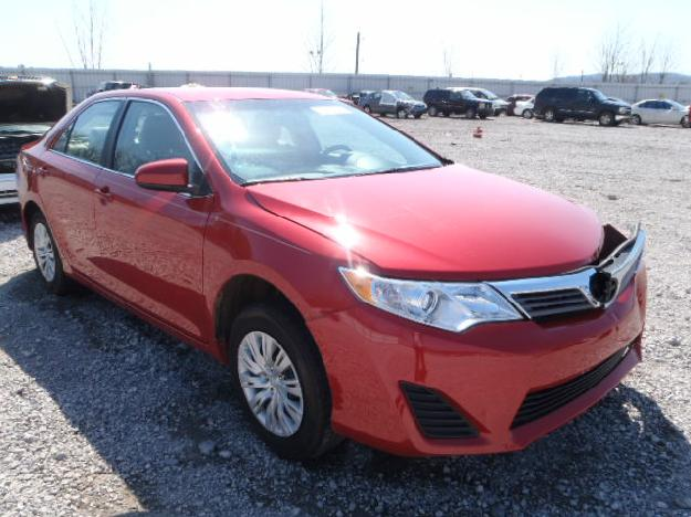 salvage toyota camry 2 5l 4 2012 amiens france free classifieds muamat. Black Bedroom Furniture Sets. Home Design Ideas