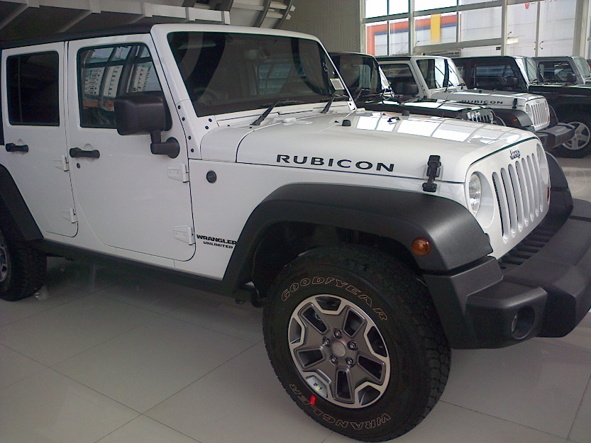 jeep wrangler rubicon 4 door bandar indonesia free classifieds muamat. Black Bedroom Furniture Sets. Home Design Ideas